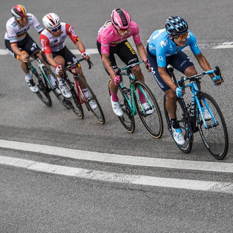 Carapaz wins stage 4 at Giro d'Italia